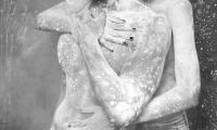 sieu-mau-ba-lan-ban-nude-ben-giai-vang-sieu-mau-huu-long-6.jpg